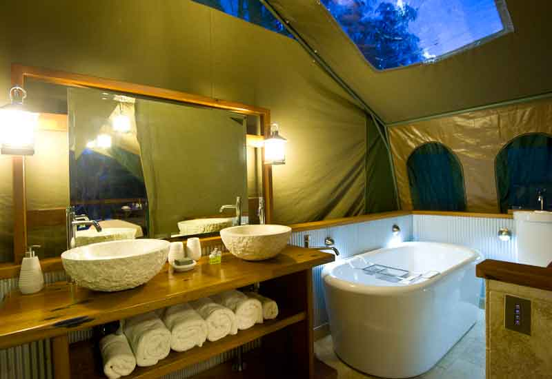 tandara-bathroom & Tandara Glamping. Safari-style luxury camping in Sydney. Book now!