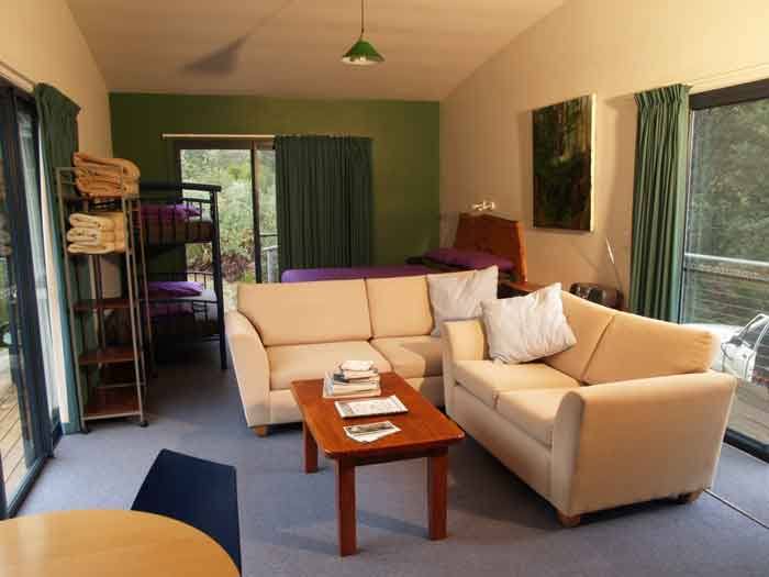 Huon-Bush-Retreats-Acacia-Grove-Internal
