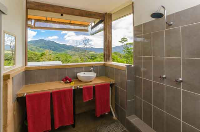 bungalow-wompoo-eco-retreat-bathroom