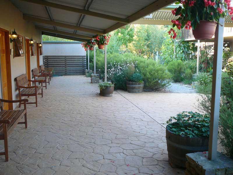 redbrow-verandah