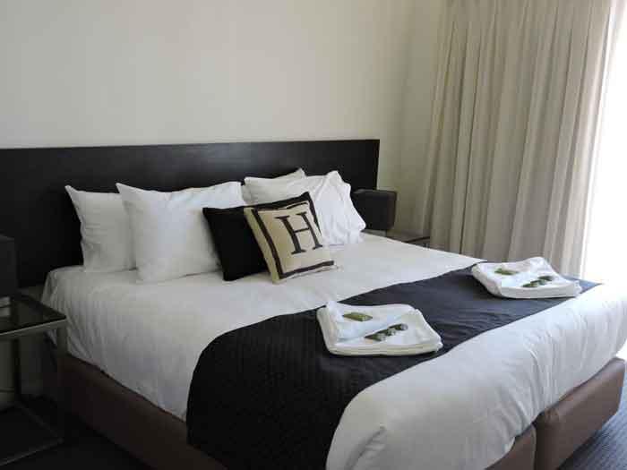 h hotel bedroom