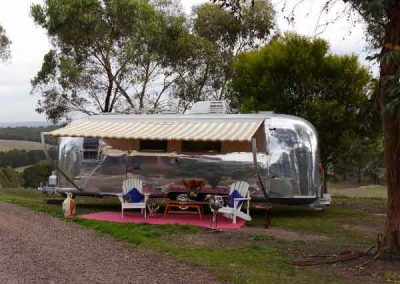 Love is in the Airstream, Victoria
