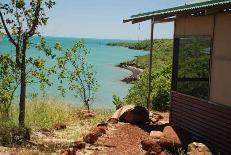 accommodation faraway bay