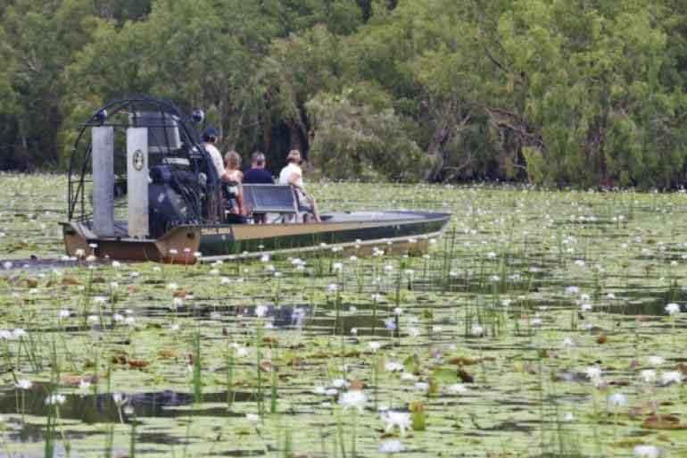 waterway-bamurru_plains_kakadu_national_park