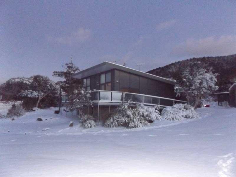 ecocrackenback-snow