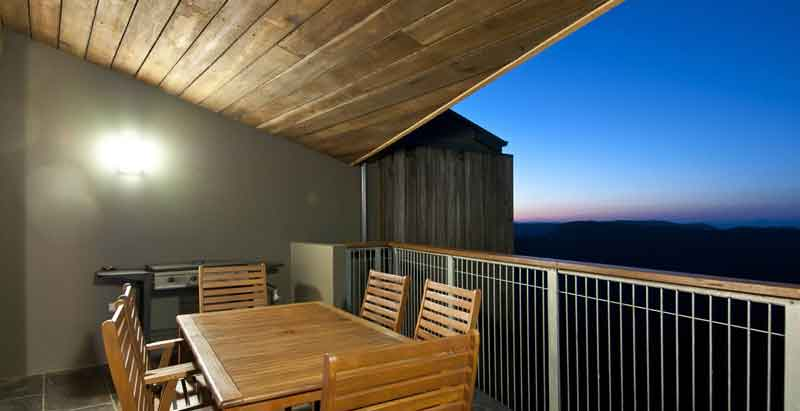 sunset-sky-lodge-balcony