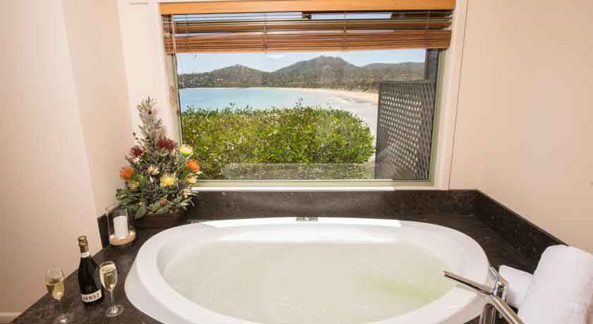 freycinet-lodge bathroom
