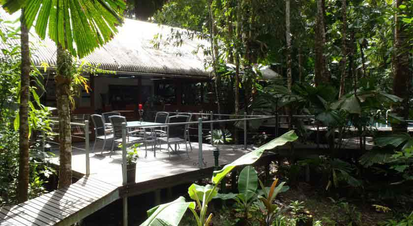 Daintree-wilderness-lodge-deck