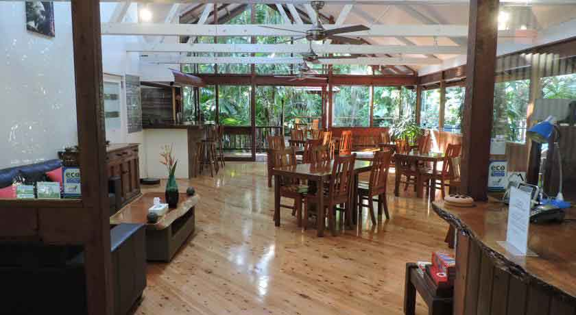 Daintree-wilderness-lodge-interior.