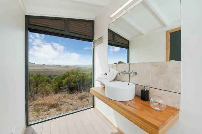 pebble point bathroom