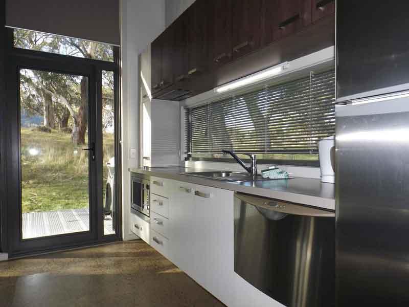 ecocrackenback-kitchen