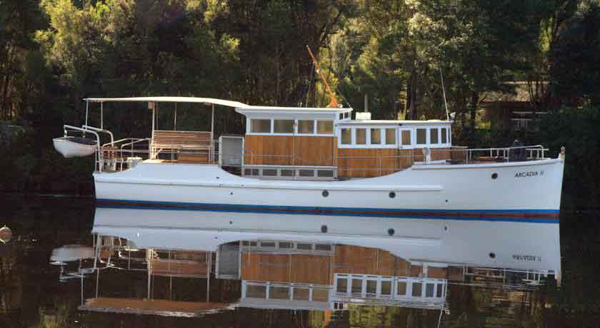 corinna boat