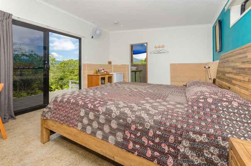 Wompoo Eco Retreat rambutan-bedroom-