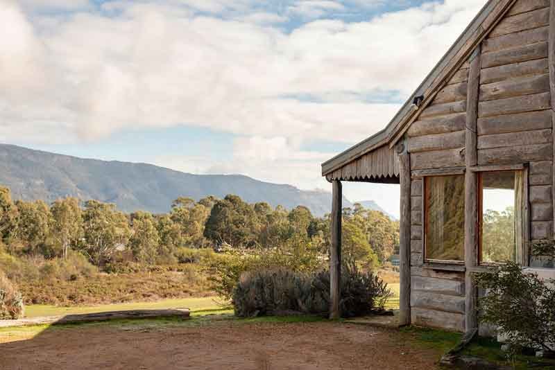 Redgum Log Cottage