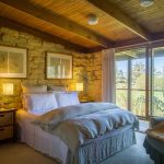 THE-BURROW-AT-WOMBAT-BEND-bedroom