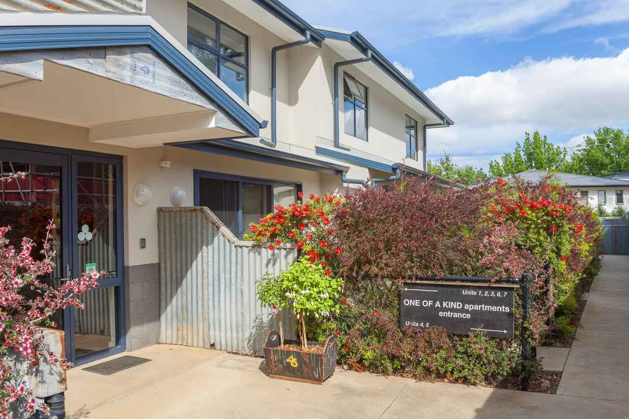 Canberra-Apartment-Accommodation-Entrance