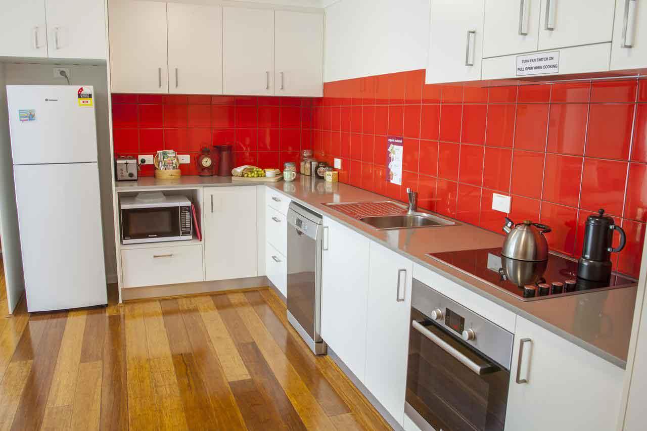 Canberra-Apartment-Accommodation-Kitchen