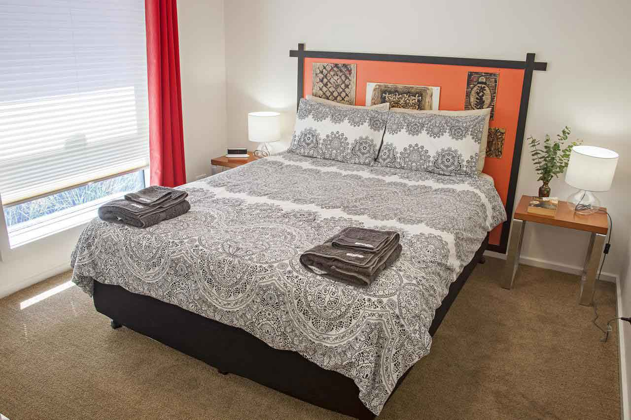 canberra-Apartment-Accommodation-Bedroom-2
