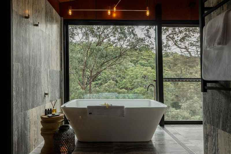 Spicers-Sangoma-Retreat-Escarpement-Suite-bathroom