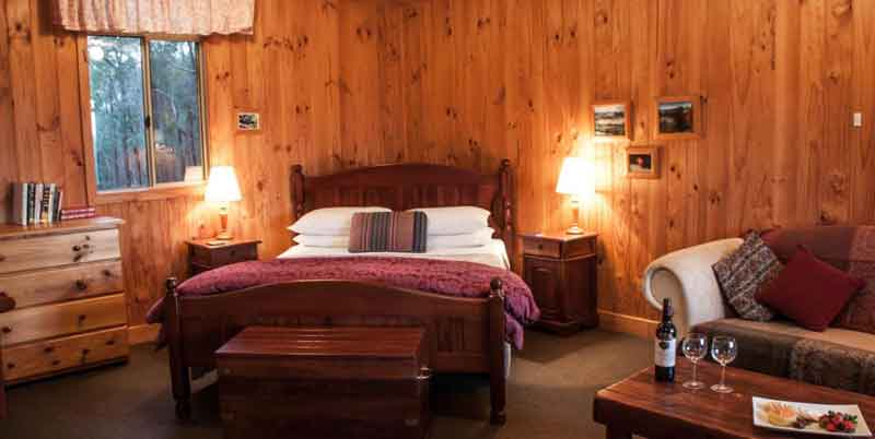 Balingup-Heights-Hilltop-Forest-Cottages-bedroom