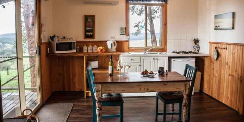 Balingup-Heights-Hilltop-Forest-Cottages-kitchen