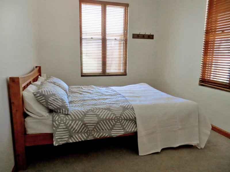 Capertee-4-Bedroom-Cottage-bedroom