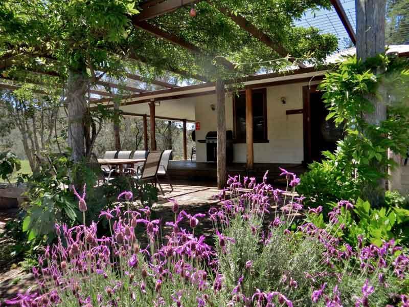 Capertee-Four-Bedroom-Cottage-Exterior