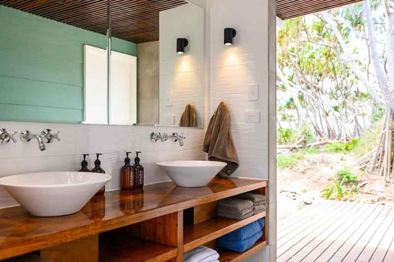 Wilson-Island-bathrooms