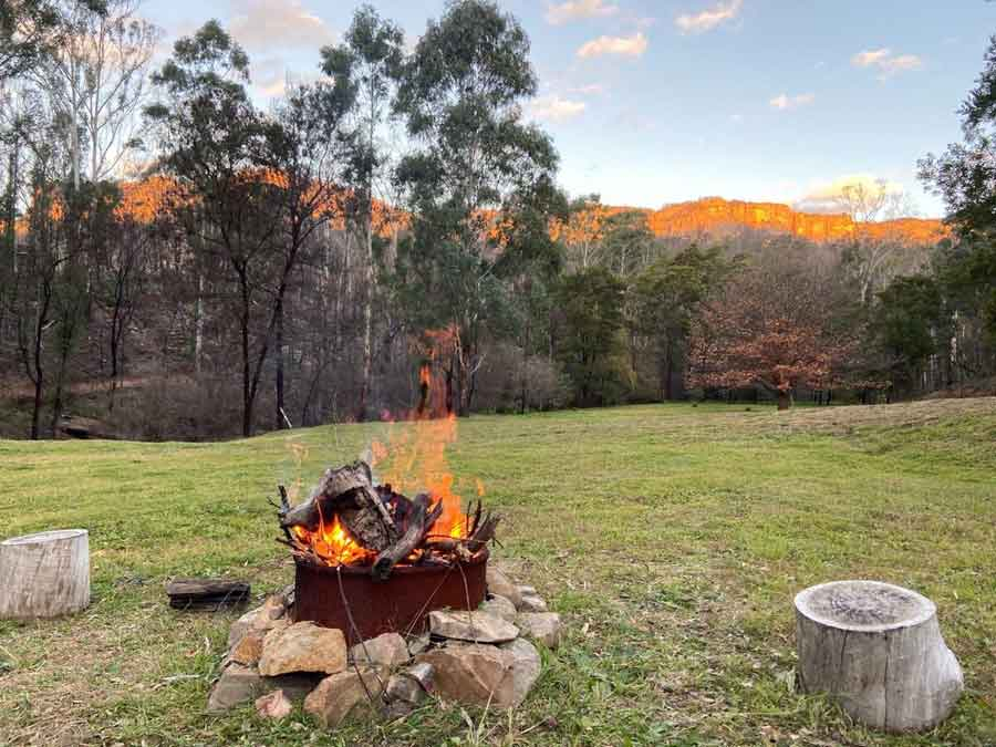 Piccolino-tiny-house-outdoor-firepit